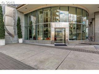 1255 NW 9TH Ave #1004, Portland, OR 97209 (MLS #18078188) :: Hatch Homes Group