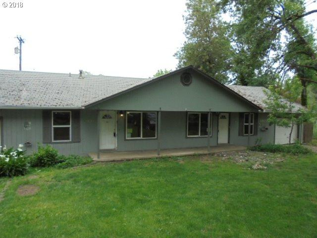 1854 SE Giles St, Roseburg, OR 97470 (MLS #18166204) :: Keller Williams Realty Umpqua Valley