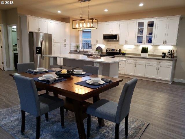 22635 SW Pinehurst Dr, Sherwood, OR 97140 (MLS #18176449) :: McKillion Real Estate Group