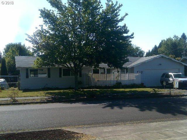 431 SW Laurel St, Junction City, OR 97448 (MLS #18343674) :: R&R Properties of Eugene LLC
