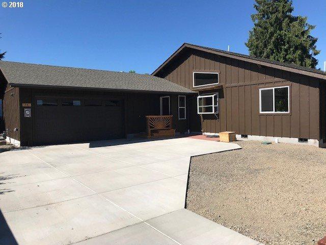 74 Corliss Ln, Eugene, OR 97404 (MLS #18597014) :: Song Real Estate