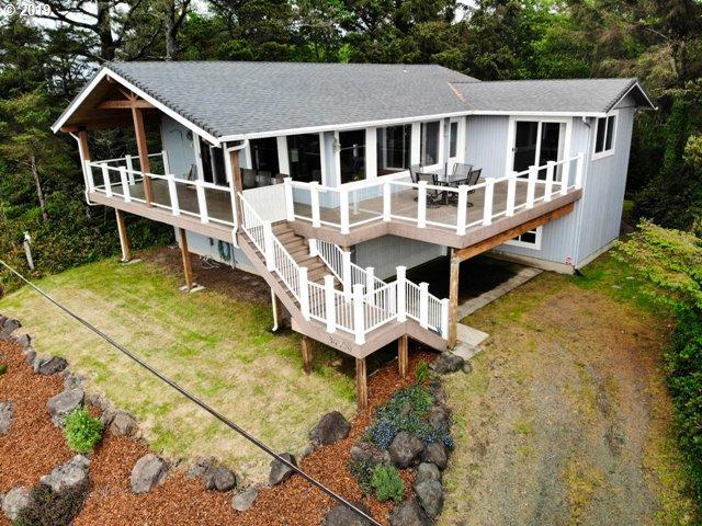 34304 J Pl, Ocean Park, WA 98640 (MLS #19031989) :: Cano Real Estate