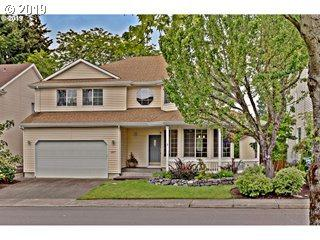 12275 SW Hollow Ln, Tigard, OR 97223 (MLS #19278777) :: McKillion Real Estate Group