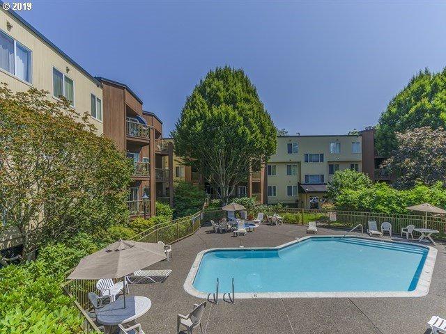 8720 SW Tualatin Rd #113, Tualatin, OR 97062 (MLS #19374925) :: Townsend Jarvis Group Real Estate