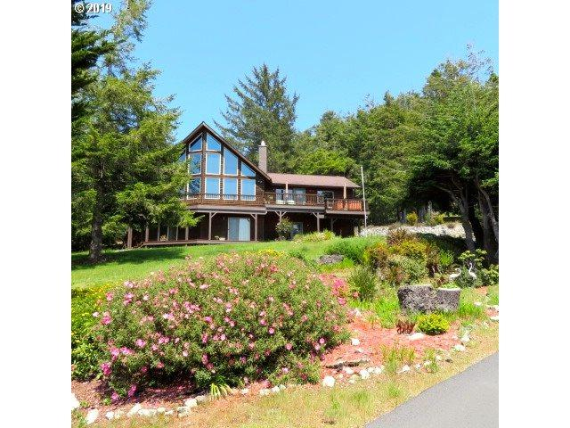94900 Cypress Dr, Gold Beach, OR 97444 (MLS #19404085) :: R&R Properties of Eugene LLC