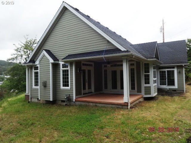 817 NE Garden Valley Blvd, Roseburg, OR 97470 (MLS #19408811) :: TK Real Estate Group