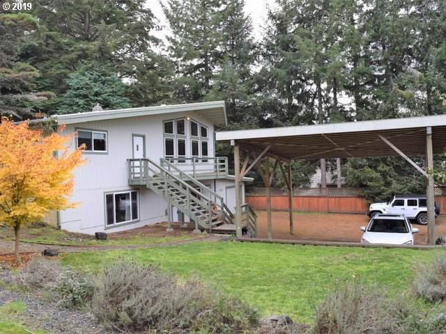 644 13TH Ct, Coos Bay, OR 97420 (MLS #19483132) :: Gregory Home Team | Keller Williams Realty Mid-Willamette