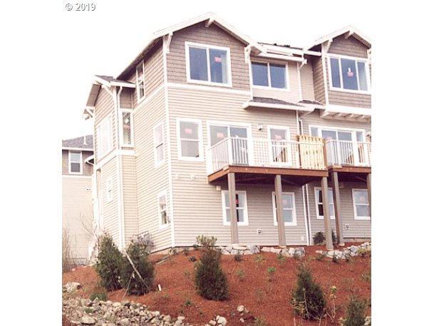 8580 SW 147TH Ter #104, Beaverton, OR 97007 (MLS #19484730) :: R&R Properties of Eugene LLC