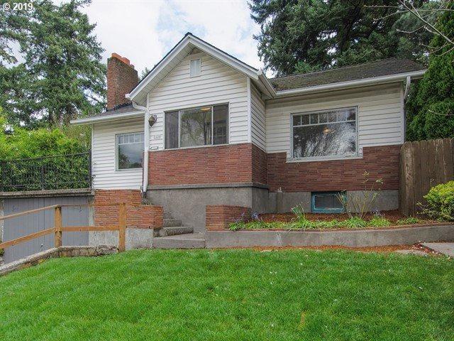 5134 SE Cesar E Chavez Blvd, Portland, OR 97202 (MLS #19512220) :: Fox Real Estate Group