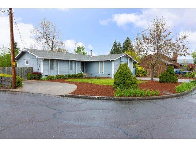 1560 NW Primrose Ct, Roseburg, OR 97471 (MLS #19617374) :: Townsend Jarvis Group Real Estate