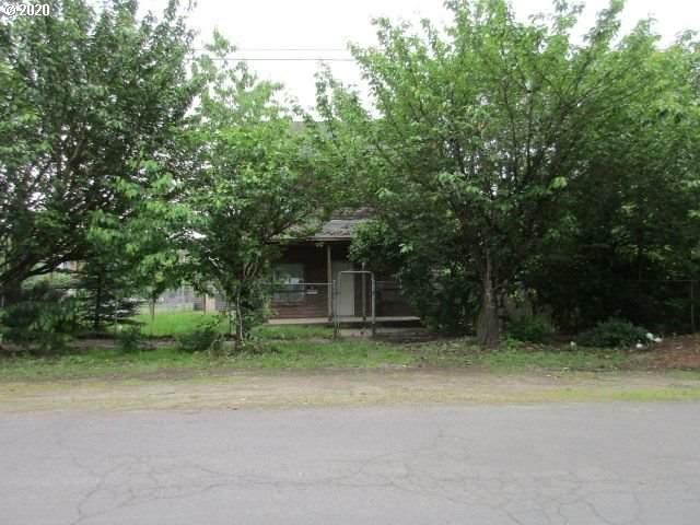 202 Alder St, Dayton, OR 97114 (MLS #20249714) :: Premiere Property Group LLC