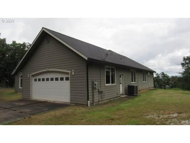 84 Mountain Dr, Roseburg, OR 97471 (MLS #20342649) :: Song Real Estate