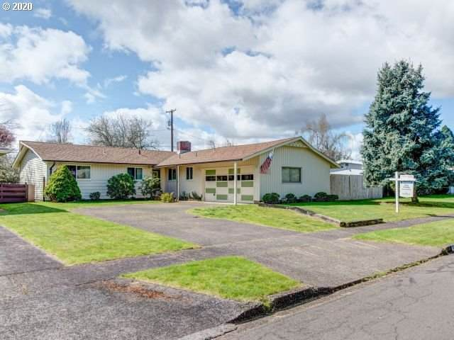 111 Greenvale Dr, Springfield, OR 97477 (MLS #20418886) :: Song Real Estate
