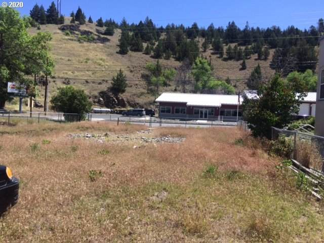 313 S Canyon Blvd, John Day, OR 97845 (MLS #20468436) :: Change Realty