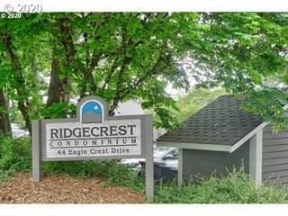44 Eagle Crest Dr #17, Lake Oswego, OR 97035 (MLS #20496544) :: Holdhusen Real Estate Group