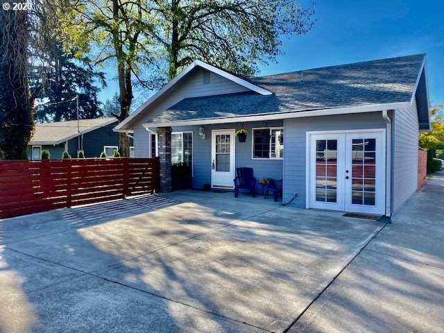 211 SE 143RD Ave, Portland, OR 97233 (MLS #20578972) :: Song Real Estate