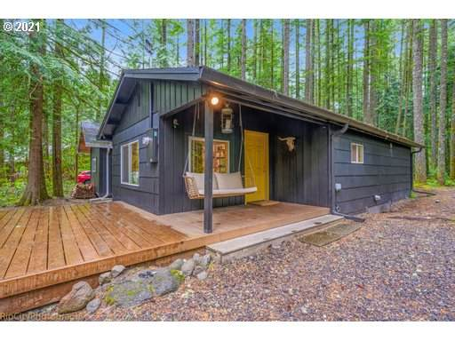 23834 E Chinquepin Dr, Rhododendron, OR 97049 (MLS #21049985) :: Gustavo Group