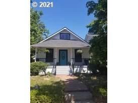 210 NE Denton Ave Dallas Or, Dallas, OR 97338 (MLS #21052481) :: Beach Loop Realty