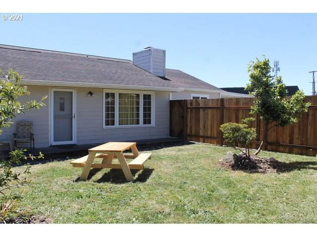 523 Railroad St, Brookings, OR 97415 (MLS #21067176) :: Townsend Jarvis Group Real Estate