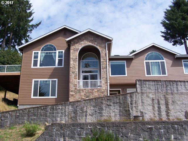3562 Jake Mann Ln, Florence, OR 97439 (MLS #17084975) :: TLK Group Properties