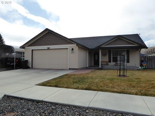 2175 Mitchell Ave, Baker City, OR 97814 (MLS #18020709) :: Harpole Homes Oregon