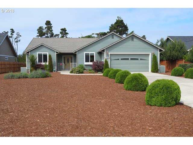 87936 Lake Point Dr, Florence, OR 97439 (MLS #18024255) :: Hatch Homes Group