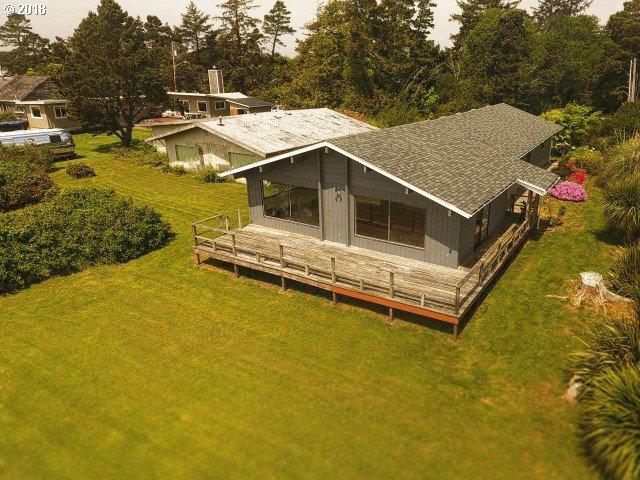 1346 SW 69TH St, Lincoln City, OR 97367 (MLS #18093676) :: Portland Lifestyle Team