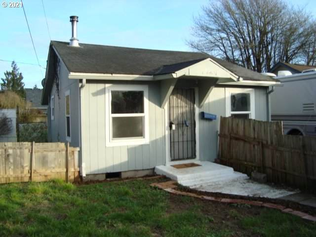 1308 S 7TH Ave, Kelso, WA 98626 (MLS #21690140) :: Townsend Jarvis Group Real Estate
