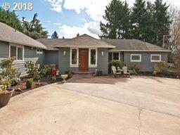1410 NE Marine Dr, Portland, OR 97211 (MLS #18236450) :: Song Real Estate