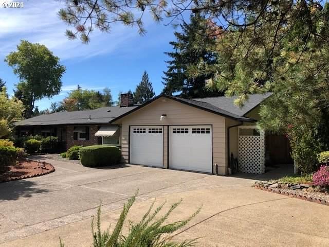 2535 SW Roxbury Ave, Portland, OR 97225 (MLS #21221617) :: The Haas Real Estate Team