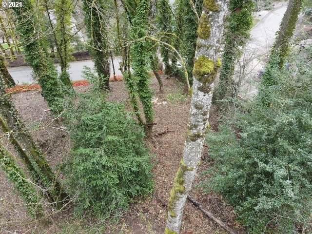 1322 SW Maplecrest Dr, Portland, OR 97219 (MLS #21420976) :: Brantley Christianson Real Estate
