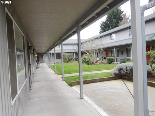 5304 NE 84TH Loop #13, Vancouver, WA 98662 (MLS #21601715) :: Song Real Estate