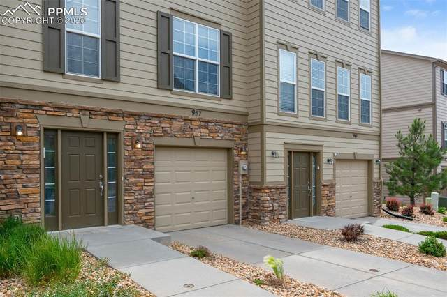 957 Burning Bush Point, Monument, CO 80132 (#1642136) :: Finch & Gable Real Estate Co.
