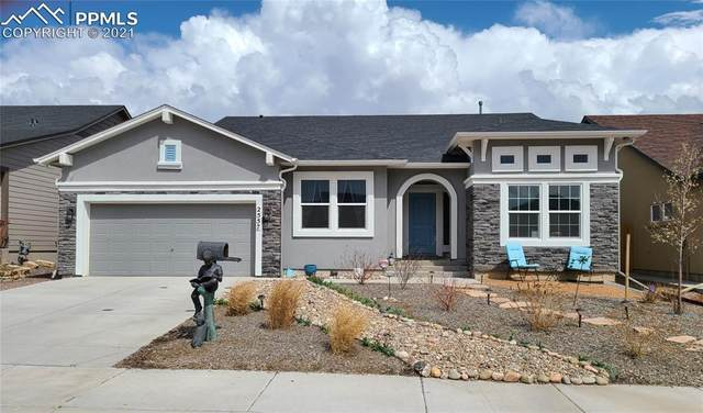 2557 Hannah Ridge Drive, Colorado Springs, CO 80922 (#1921650) :: HomeSmart