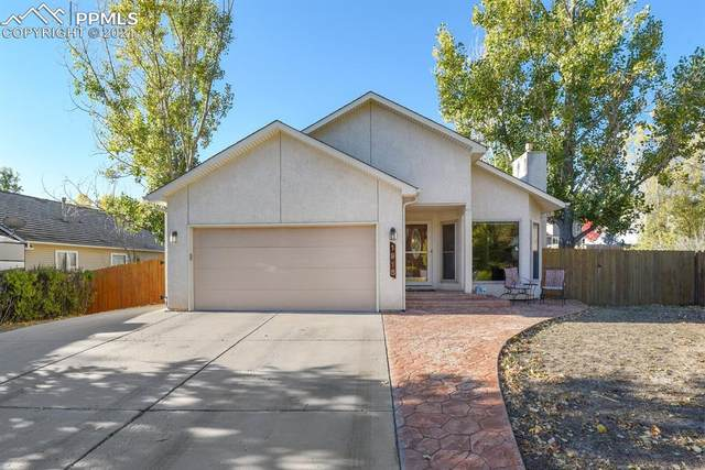 1915 Rimwood Drive, Colorado Springs, CO 80918 (#2265047) :: The Gold Medal Team with RE/MAX Properties, Inc