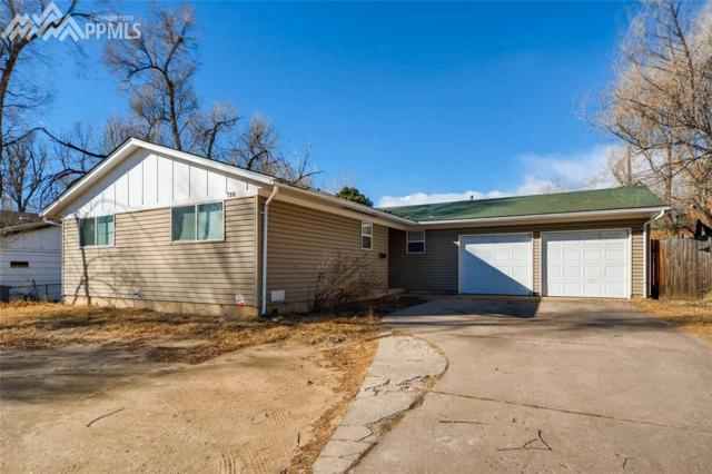 710 S Circle Drive, Colorado Springs, CO 80910 (#3265003) :: Jason Daniels & Associates at RE/MAX Millennium