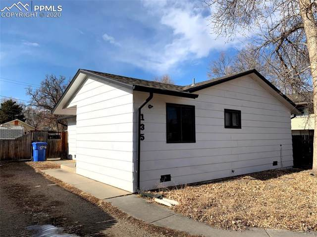 135 S Jefferson Avenue, Loveland, CO 80537 (#3341691) :: The Treasure Davis Team