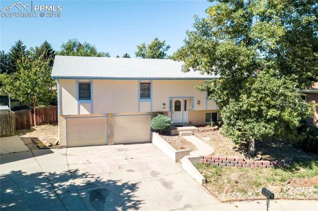 2803 Ridgeglen Place, Colorado Springs, CO 80918 (#4350178) :: Action Team Realty