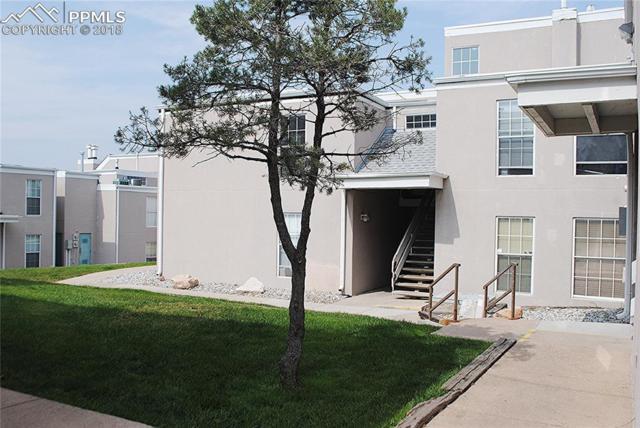 3530 Parkmoor Village Drive H, Colorado Springs, CO 80917 (#4519767) :: 8z Real Estate