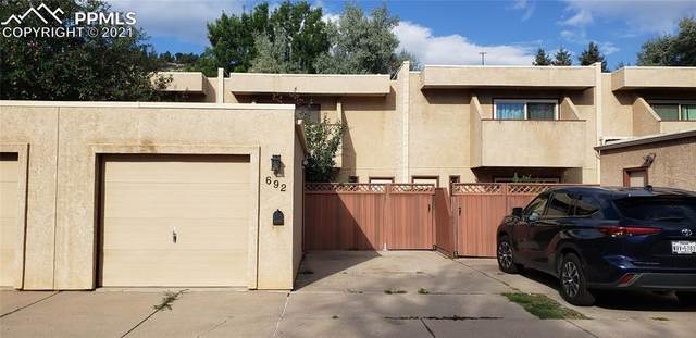 692 Echo Lane, Colorado Springs, CO 80904 (#4644490) :: Tommy Daly Home Team