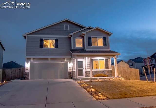 7203 Silver Moon Drive, Colorado Springs, CO 80923 (#6019240) :: Tommy Daly Home Team