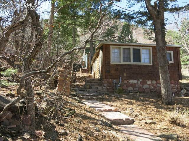 915 High Road, Manitou Springs, CO 80829 (#6402955) :: Finch & Gable Real Estate Co.