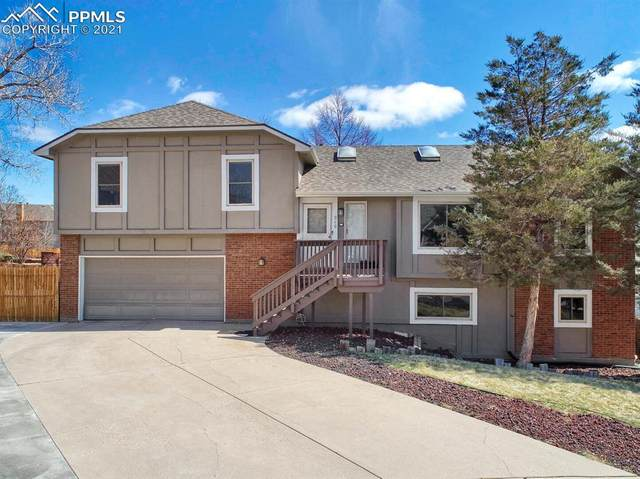 940 Flying Eagle Place, Colorado Springs, CO 80919 (#6412640) :: The Daniels Team
