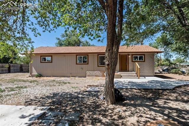 2207 Newport Avenue, Pueblo, CO 81003 (#7011156) :: The Daniels Team