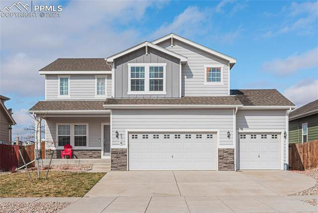 8218 Chasewood Loop, Colorado Springs, CO 80908 (#7780823) :: HomeSmart