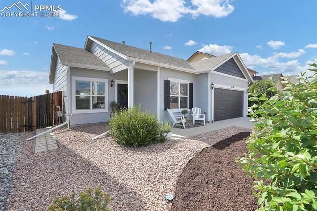 1924 Lillian Way, Colorado Springs, CO 80951 (#9200362) :: Symbio Denver
