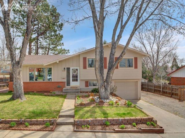 1933 Collier Avenue, Colorado Springs, CO 80909 (#1648323) :: 8z Real Estate