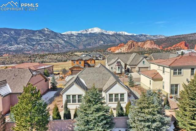 2933 Cathedral Park View, Colorado Springs, CO 80904 (#3535754) :: HomeSmart