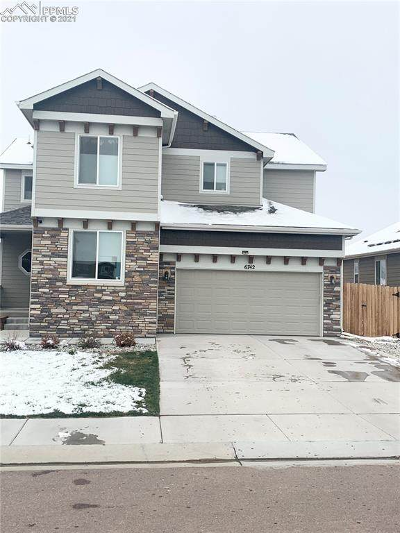 6742 Phantom Way, Colorado Springs, CO 80925 (#1657732) :: The Gold Medal Team with RE/MAX Properties, Inc