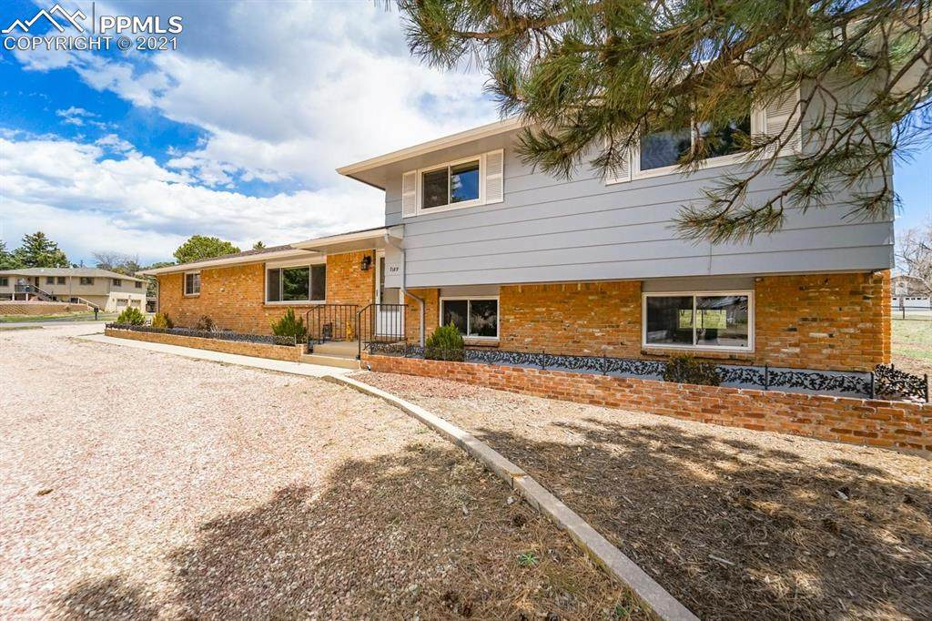 7189 Bell Drive - Photo 1